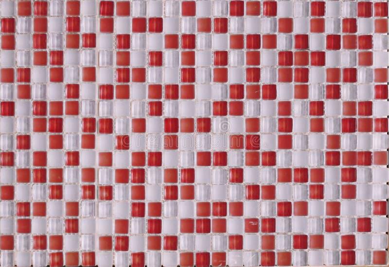 Keramische mehrfarbige Glasfliesen von weißen und roten Elementen vektor abbildung