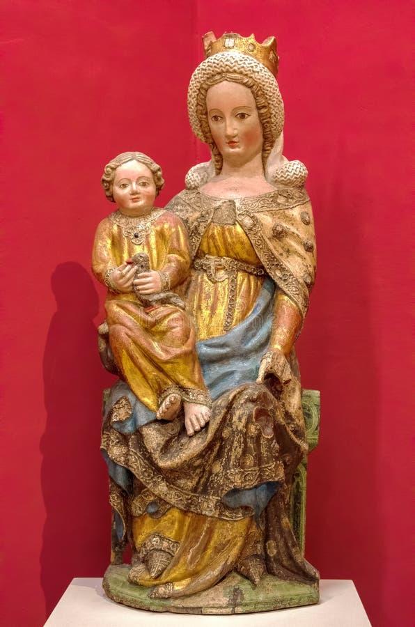 Keramische Skulptur von Jungfrau Maria mit Jesus Christ stockfotos