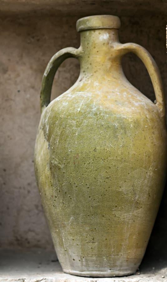 keramischer alter Krug des Weinlesetopfes, die Türkei lizenzfreie stockfotografie