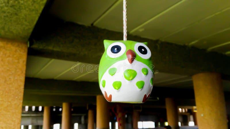 Keramischer Puppen-Owl Green-Stock stockfotos