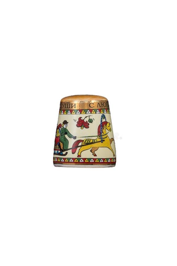 Keramisches Andenkenspielzeug mit Farbmalerei auf lokalisiertem weißem Hintergrund stockfotos