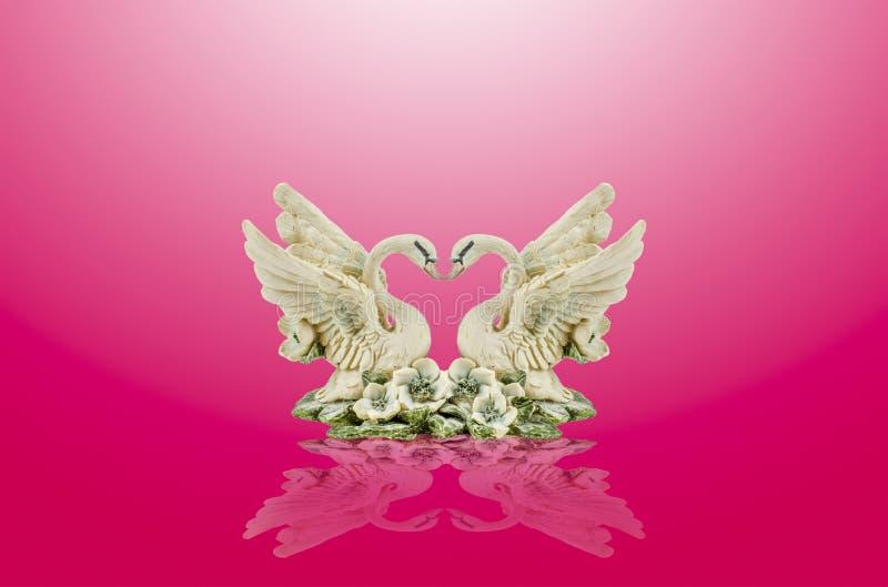 keramisk swan royaltyfria bilder