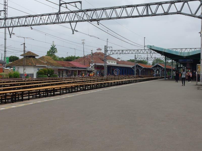 Kereta Rel Listrik conosciuta anche come 'Linea di commuter' a Jakarta in Indonesia immagine stock
