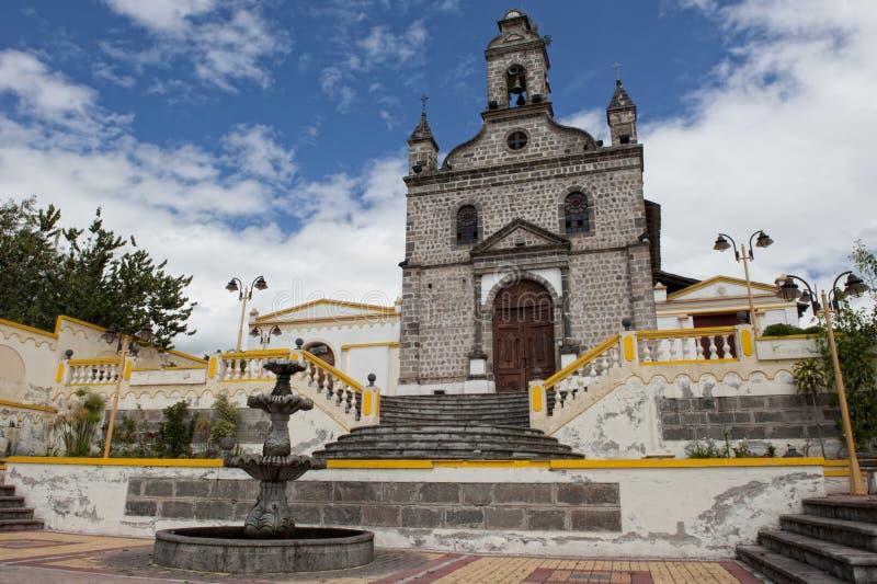 Kerk in de Andes in Ecuador stock foto's