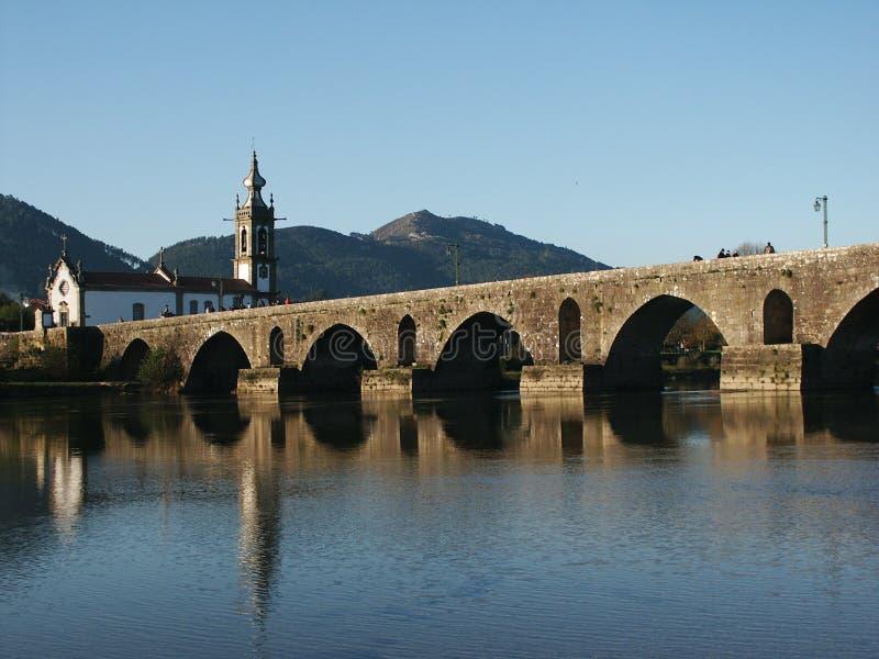 Download Kerk en brug stock foto. Afbeelding bestaande uit meer - 295678