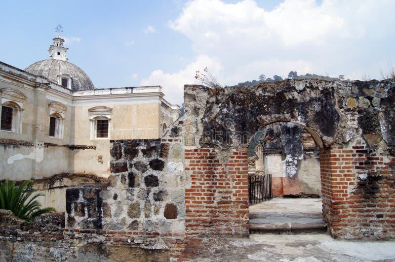 Kerk en klooster royalty-vrije stock afbeelding