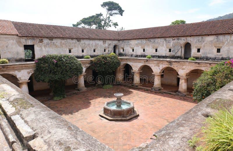 Kerk en Klooster van las Capuchinas in Antigua, Guatemala royalty-vrije stock afbeelding