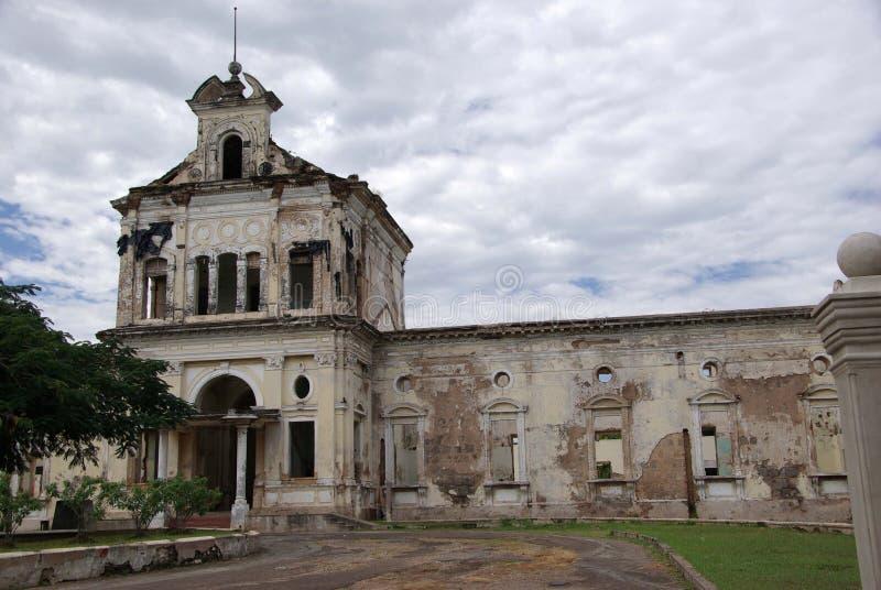 Download Kerk in Granada, Nicaragua stock foto. Afbeelding bestaande uit amerika - 54081574