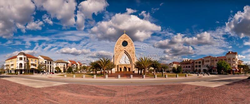 Kerk in het centrum van stad royalty-vrije stock foto's