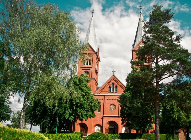 Kerk in het dorp Wysoka royalty-vrije stock afbeelding
