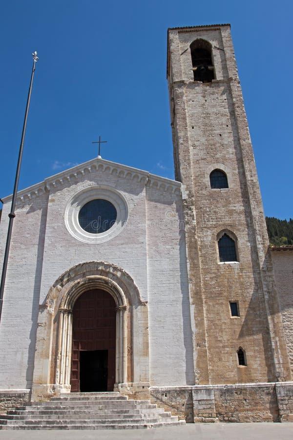 Kerk in het historische centrum van Gubbio stock afbeelding