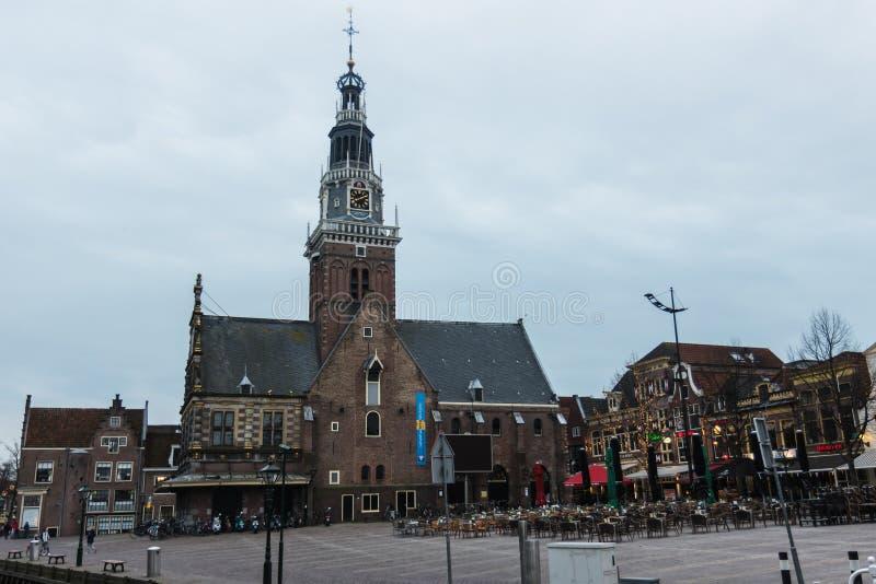 Kerk in het oude deel van Alkmaar, Nederland royalty-vrije stock foto's