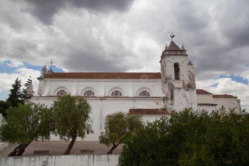 Kerk Igreja DE Santiago vóór vernieuwing, Tavira, Portugal royalty-vrije stock foto's