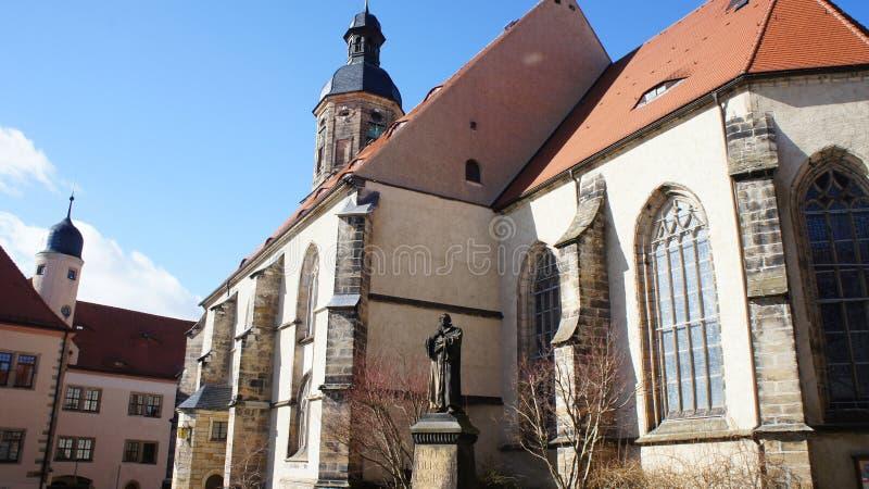 Kerk met een Luther-gedenkteken stock foto