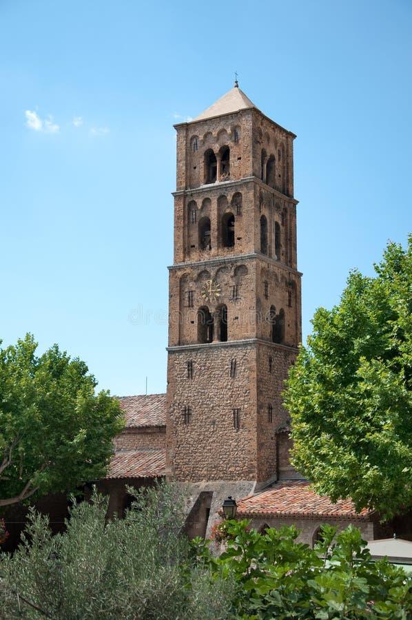 Kerk moustiers-Sainte-Marie stock afbeelding