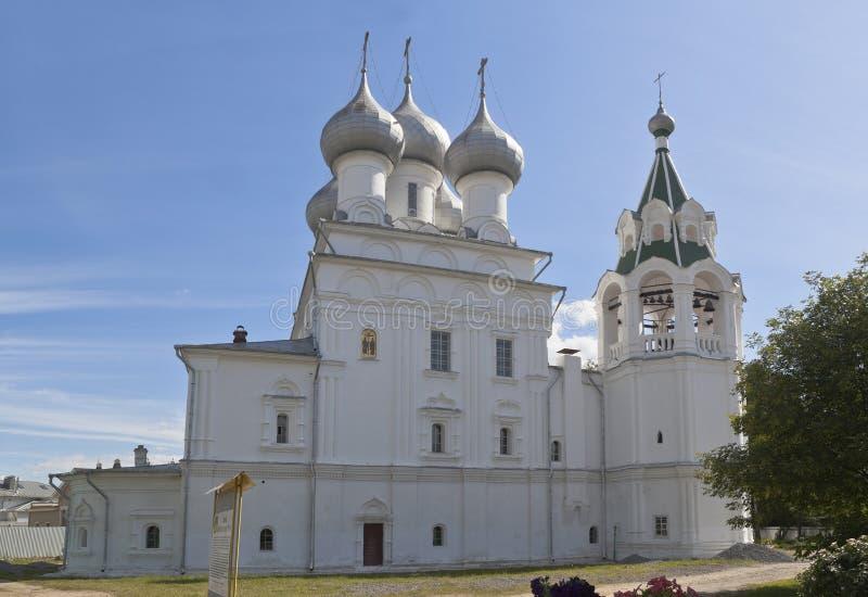 Kerk omwille van de tsaren van Heilige gelijk aan de apostelen Konstantin en Elena in de stad van Vologda stock fotografie