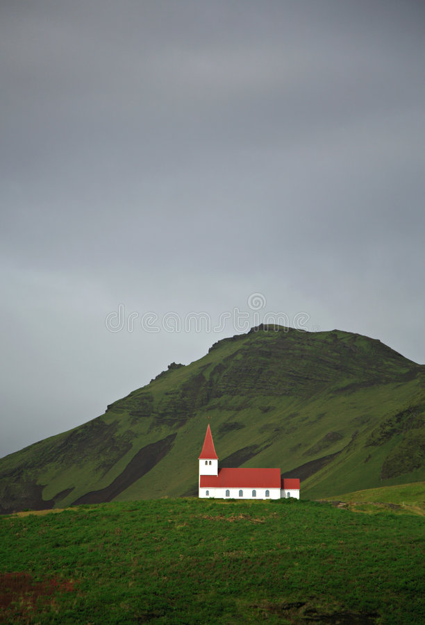 Kerk op de heuvel royalty-vrije stock afbeelding