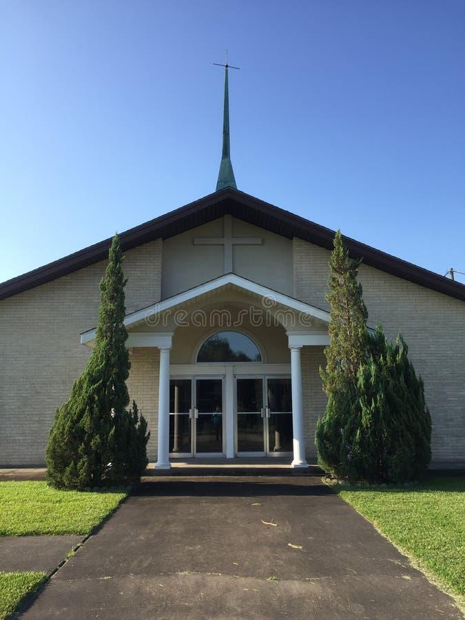 Kerk op een aardige dag stock foto