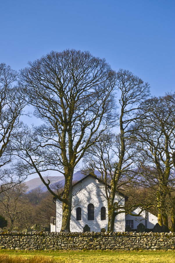 Kerk in platteland stock foto