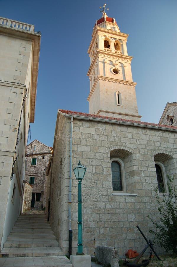 Kerk in Pucisca op eiland Brac royalty-vrije stock afbeelding