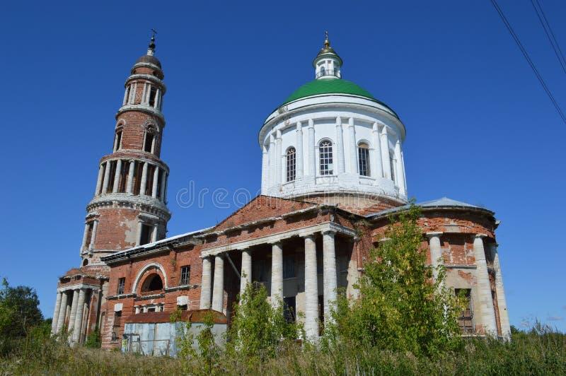 Kerk van de Geboorte van Christus van heilige maagdelijke Mary in Perevles-dorp, Ryazan gebied, Rusland royalty-vrije stock foto