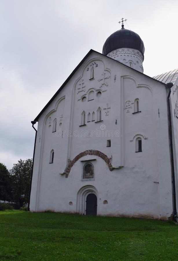 Kerk van de Transfiguratie van de Verlosser op Ilyin-Straat - een tempel in Veliky Novgorod stock afbeelding