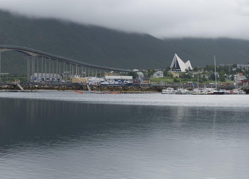 Kerk van de Tromso de Noordpoolkathedraal in Noorwegen stock afbeelding