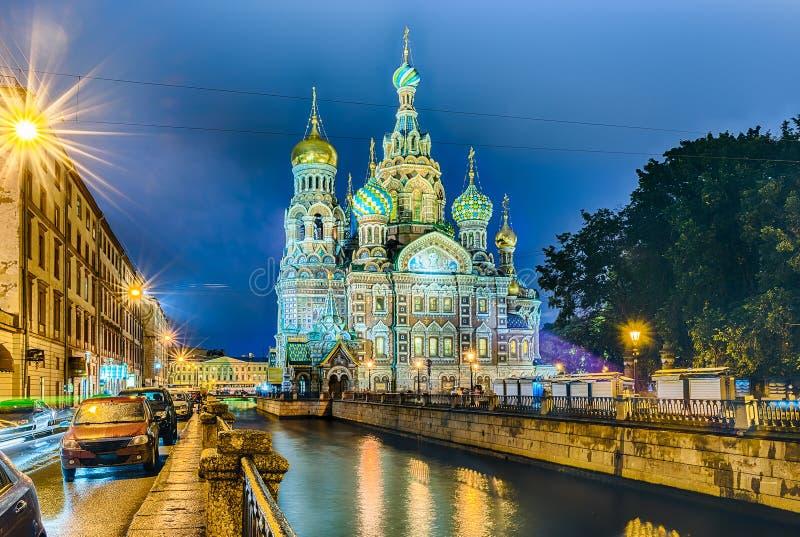 Kerk van de Verlosser op Bloed bij nacht, St. Petersburg royalty-vrije stock foto
