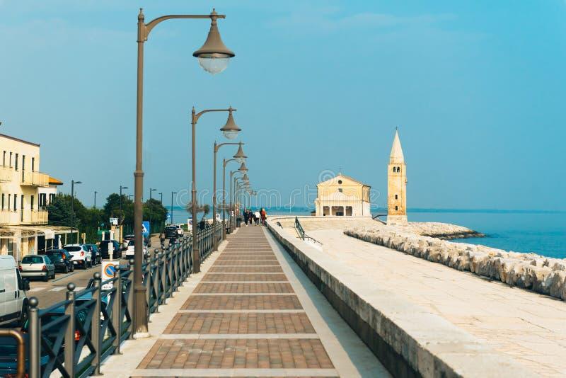 Kerk van Onze Dame van de Engel op het strand van Caorle Italië stock afbeelding