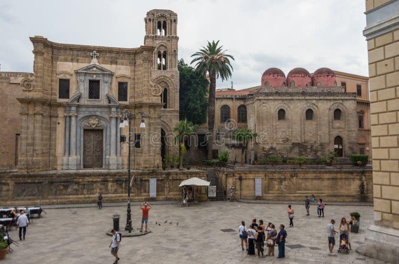 Kerk van San Cataldo andchurch Martorana, Palermo sicilië stock afbeelding