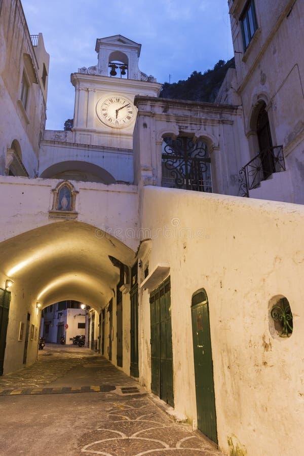 Kerk van San Salvatore de Birecto in Atrani, Italië stock fotografie