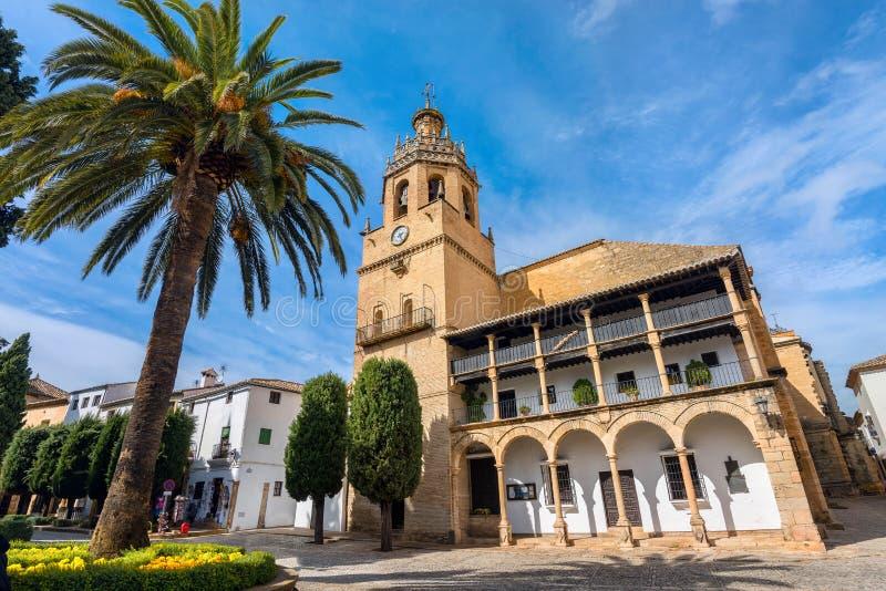 Kerk van Santa Maria la Mayor in Ronda Andalusia, Spanje stock afbeelding