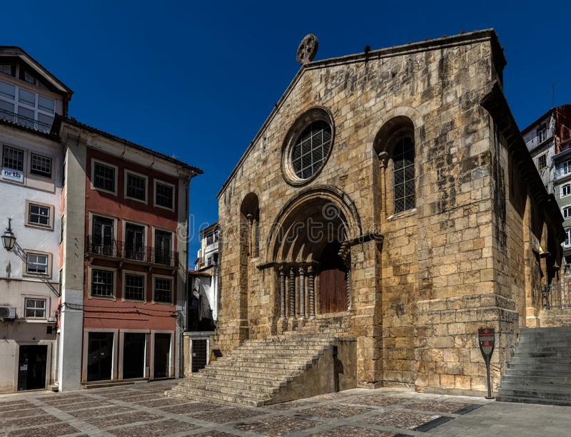 Kerk van Santiago in Coimbra, Portugal stock afbeelding