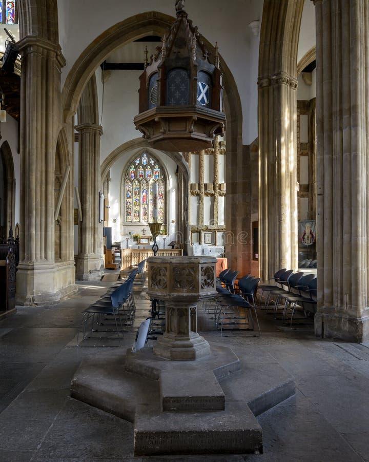 Kerk van St Cuthbert Plafond Baptist Font A stock fotografie
