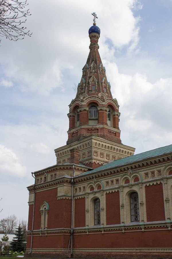 Kerk van St Demetrios, een oude tempel in het dorp van Zhuravnika, Volyn-gebied, de Oekraïne, stock fotografie