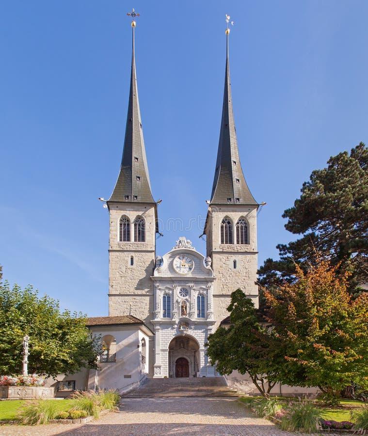 Kerk van St. Leodegar in Luzerne stock afbeeldingen
