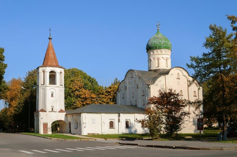 Kerk van StTheodore Stratilates op de beek stock afbeeldingen
