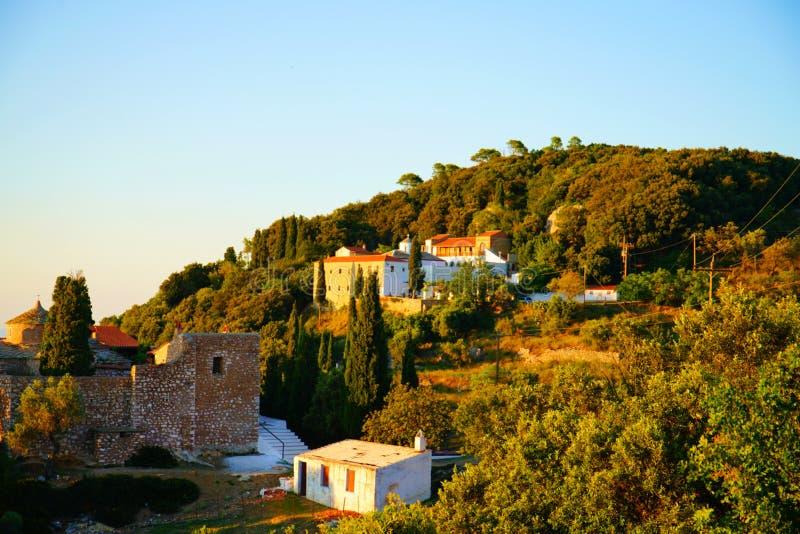 Kerken op Palouki-heuvel, Skopelos, Griekenland royalty-vrije stock afbeelding