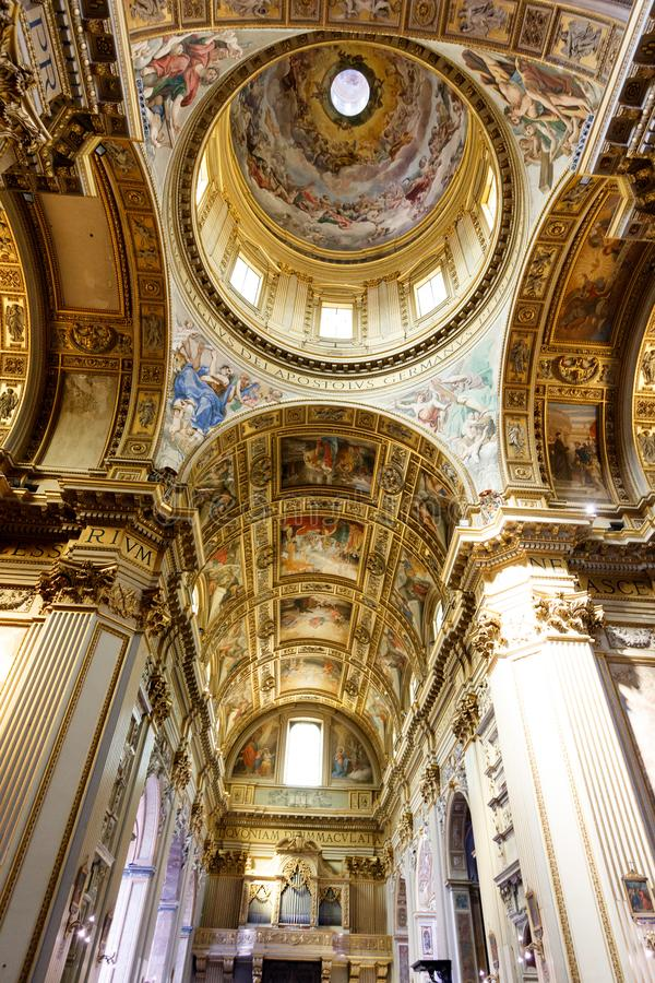 Kerkkoepel, details en schilderijen royalty-vrije stock foto