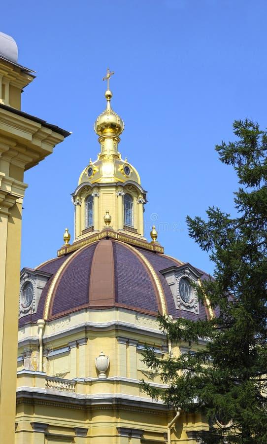 Kerkspits in Peter en Paul Fortress in St Petersburg stock afbeeldingen