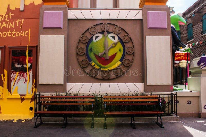 Kermit żaba zegar przy Hollywood studiami obrazy royalty free