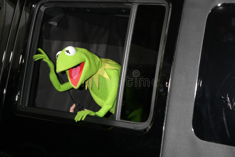 Kermit a râ, os Muppets foto de stock royalty free