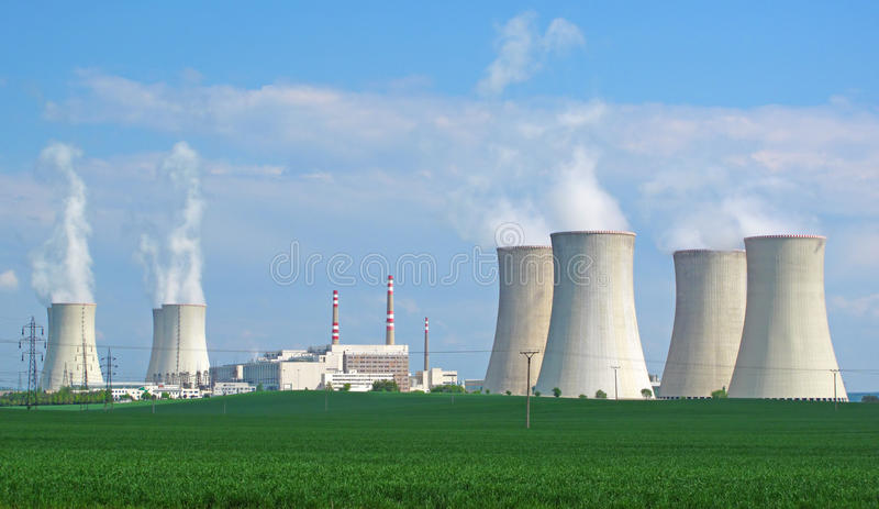 Kern elektrische centralepanorama royalty-vrije stock fotografie