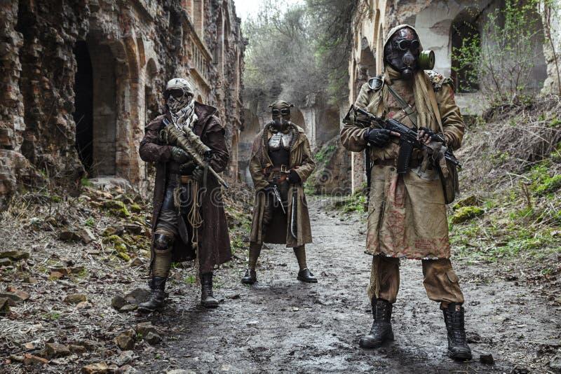 Kern post-apocalypsoverlevenden stock afbeelding
