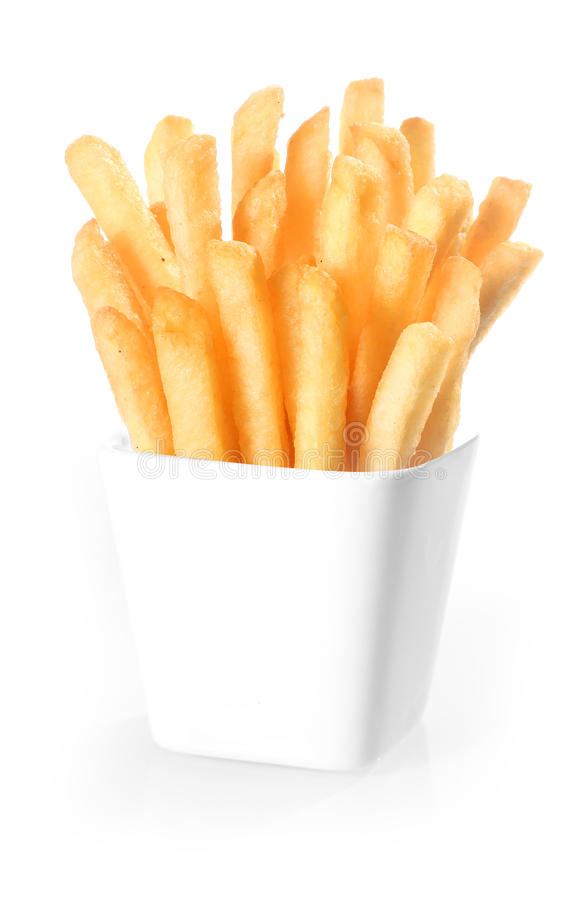 Kernachtige gefrituurde chips in een container royalty-vrije stock afbeeldingen