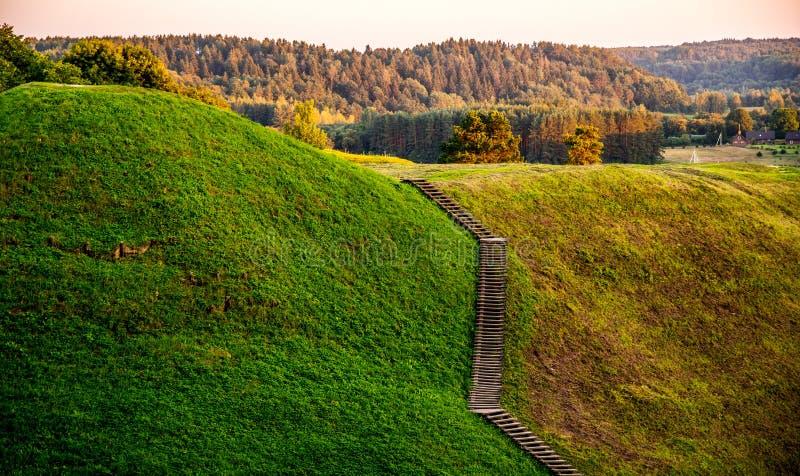 Kernave-Hügel, Litauen lizenzfreie stockfotografie