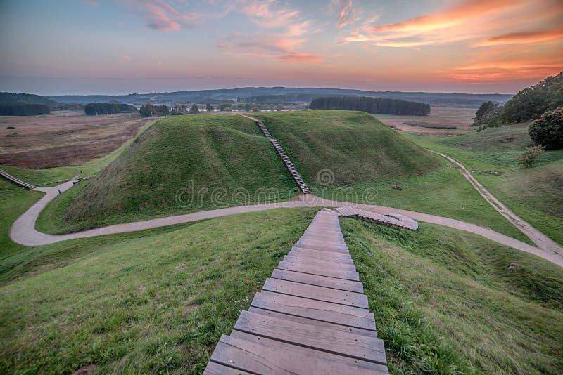 Kernave historisk huvudstad av Litauen royaltyfria foton
