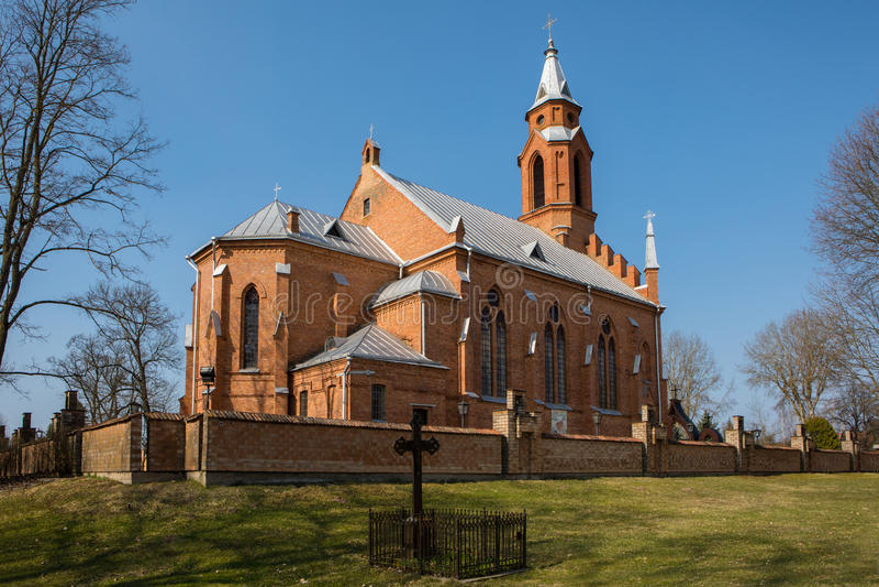 Kernave kyrka i Kernave, Litauen royaltyfri foto