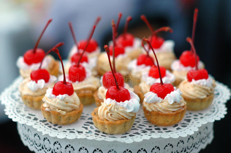 kersencakes stock afbeelding