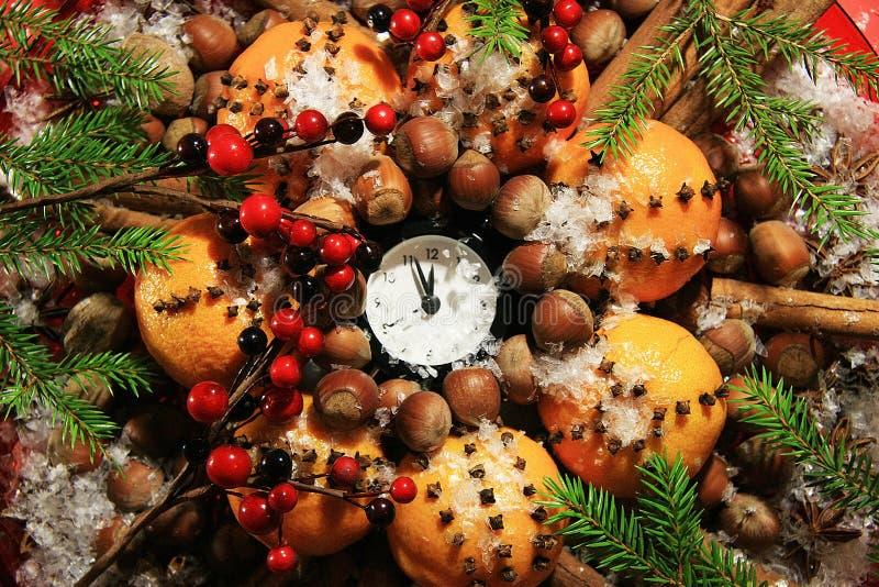 Kerstavond en Nieuwjaren bij middernacht stock fotografie